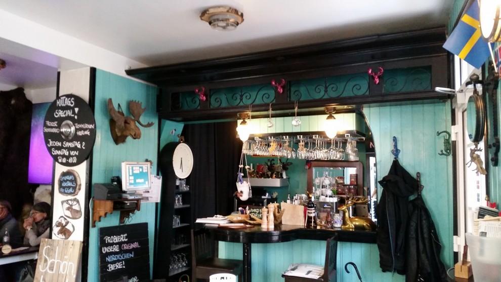 Am Wochenende steht Chefin Karolina schon mal selbst an der Bar.