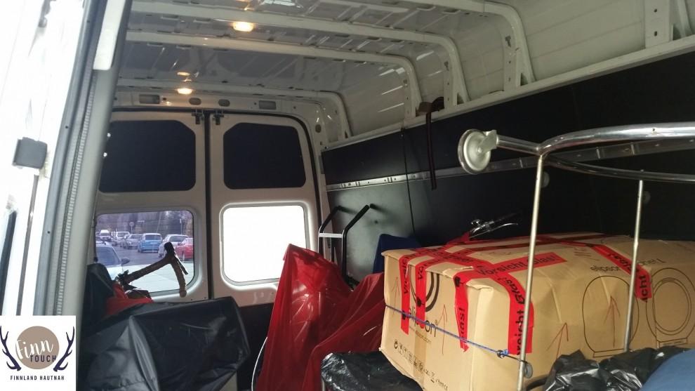 In Daniels Transporter ist jede Menge Platz auch für sperrige Güter.