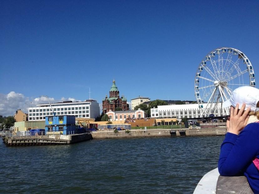 Seit einigen Jahren eine Attraktion am Hafen von Helsinki: Das Skywheel.