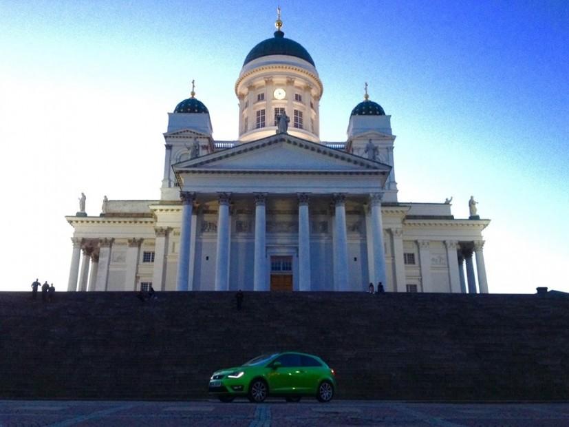 Zu jeder Tageszeit eine majestätische Erscheinung: Der weiße Dom von Helsinki.