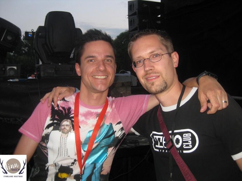 Mit DJ Orkidea beim Rave Island Festival 2011 im nordfinnischen Oulu.