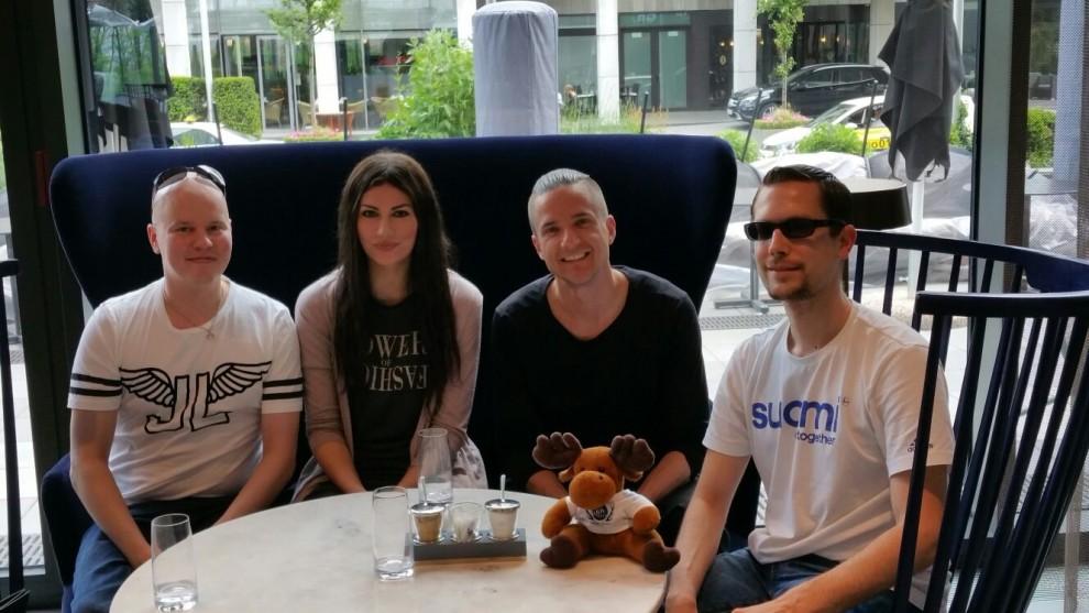 In gemütlicher Runde trafen wir uns zum Interview in einem Frankfurter Hotel.