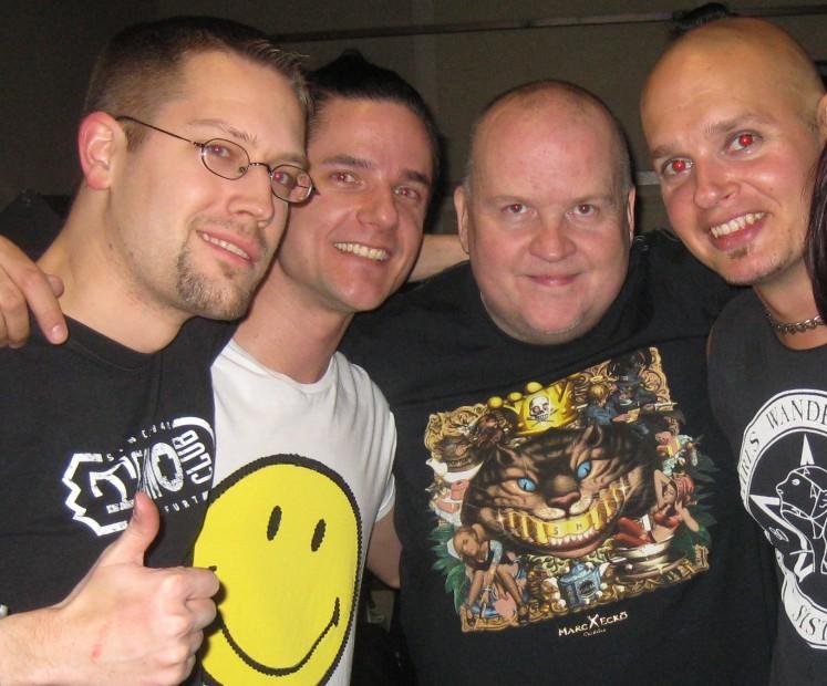 René, Orkidea, der Frankfurter DJ Talla 2XLC und der finnische DJ und Veranstalter Proteus bei einer Classix-Night in Helsinki im Jahre 2012.