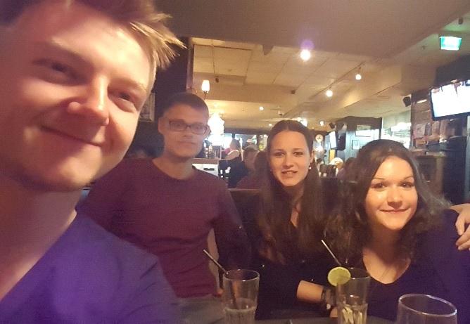 Partytime in Helsinki: Die Reisegruppe entdeckt das Nachtleben der finnischen Hauptstadt.