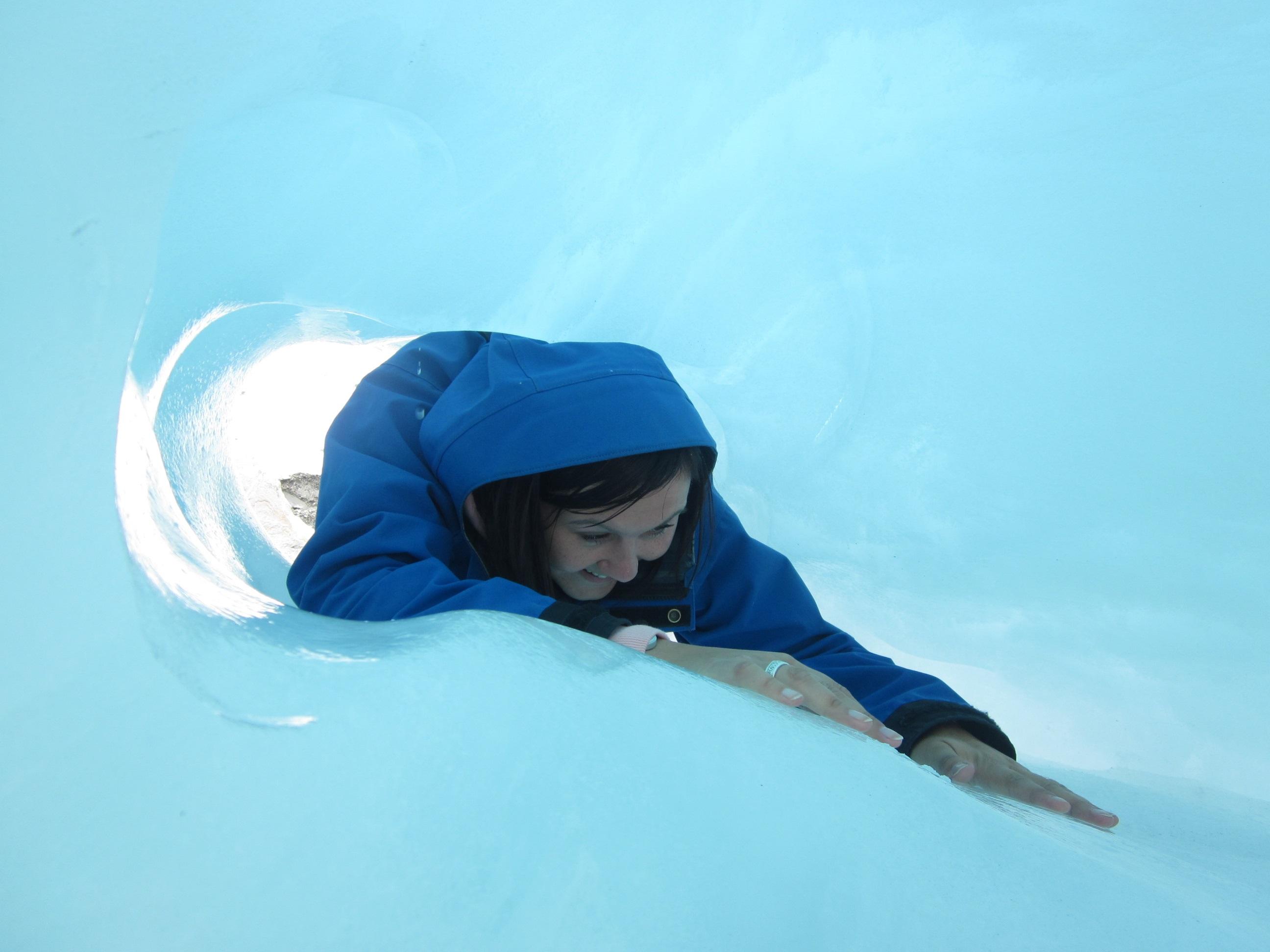 Mag es zwar am liebsten warm, ist aber auch Eis und Schnee mal nicht abgeneigt: Globetrotterin Carla Vollert.