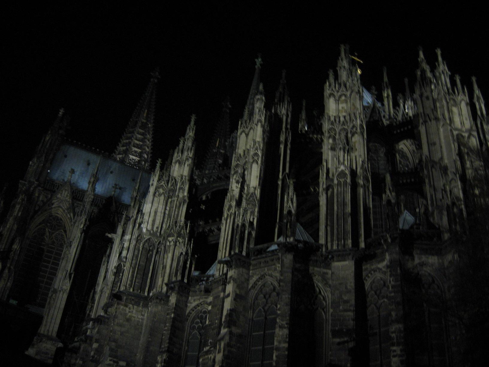 In Köln befindet sich nicht nur das 1LIVE-Sendestudio, sondern im Schatten des Doms hat auch Jürgen Domian seinen Lebensmittelpunkt.