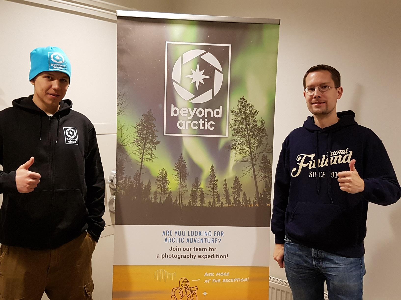 Firmengründer Juho Uutela und FinnTouch-René im Headquarter des Anbieters im Herzen von Rovaniemi.