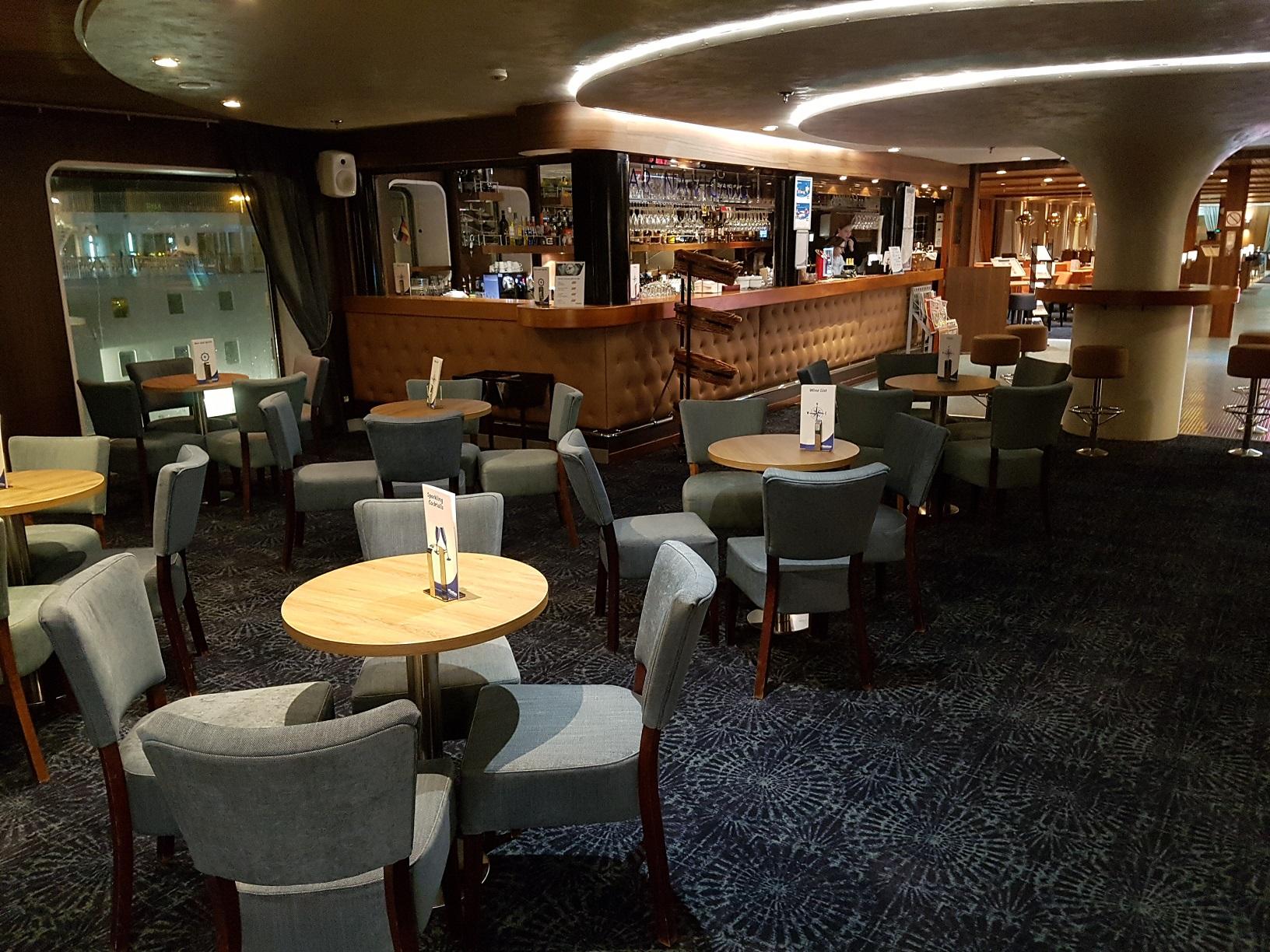 Lädt zu Drinks im gemütlichen Ambiente ein: Das Bar & Bistro Navigare.