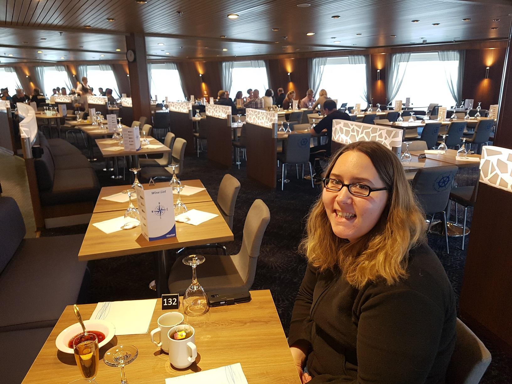 """Lecker speisen im Buffetrestaurant """"Mare Balticum""""."""