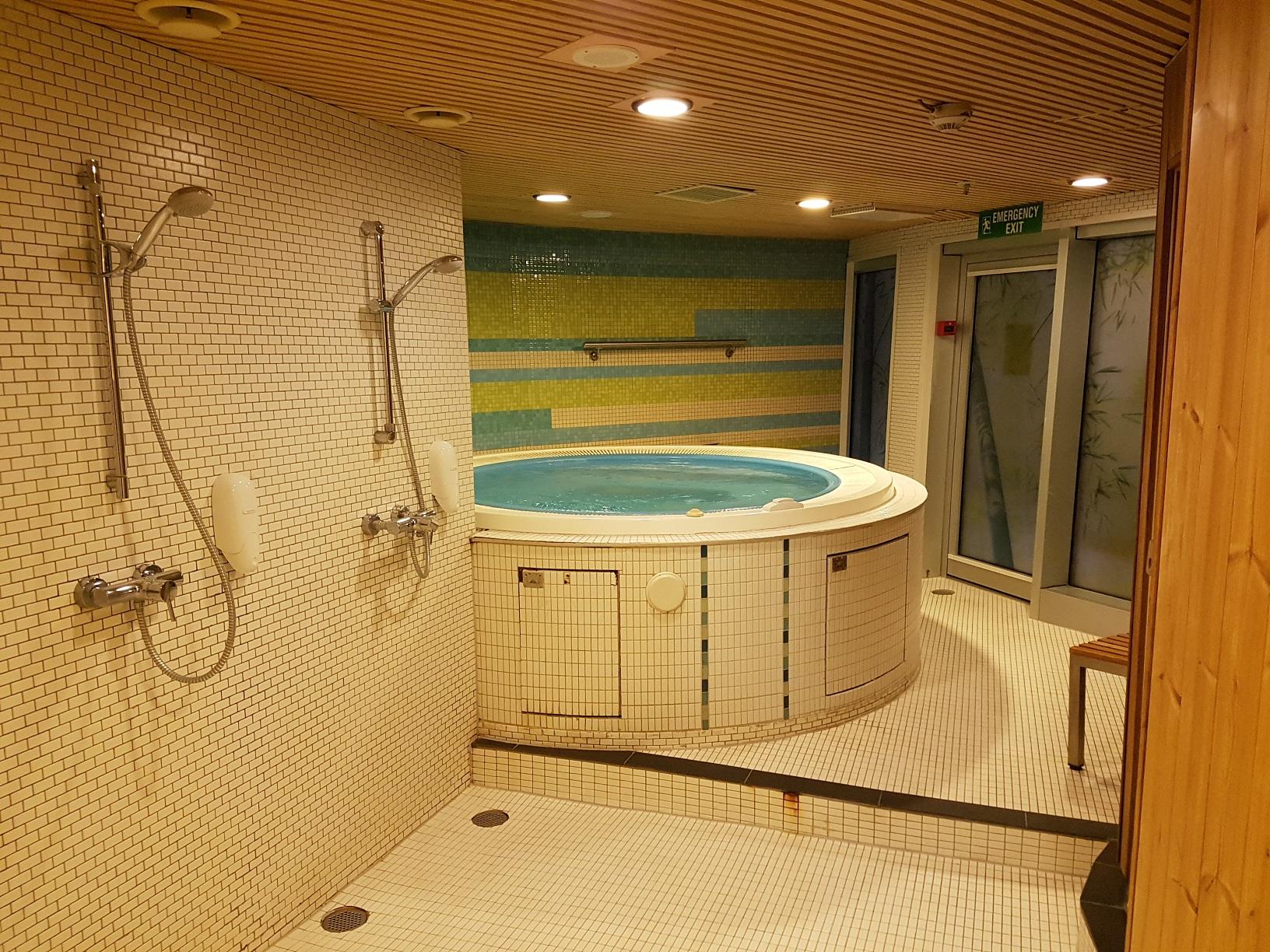 Darf an Bord eines finnischen Schiffes nicht fehlen: Die Sauna mit Whirlpool.