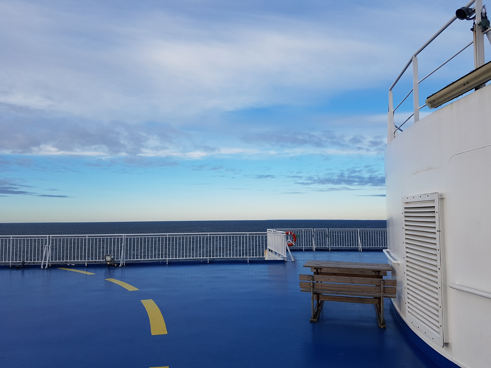 Wellen, Wolken und ganz viel Ruhe: So entspannt reist es sich mit Finnlines nach Helsinki.