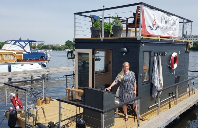 Das Finnfloat Saunafloß in Berlin