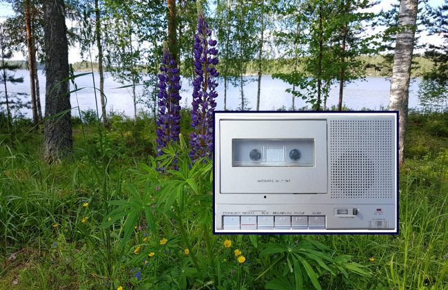 KAssettenrecorder im finnischen Wald