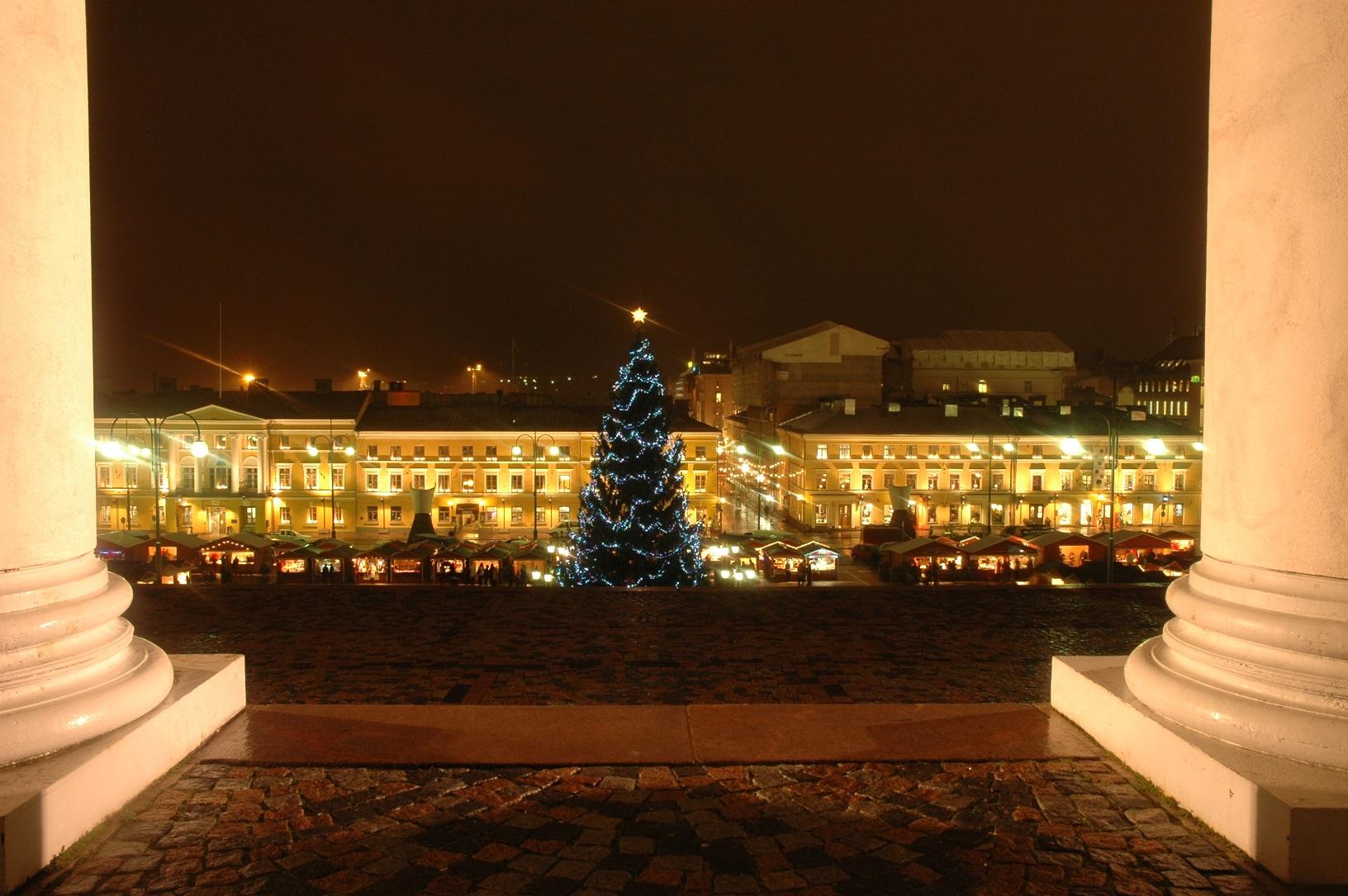Senaatintori Helsinki im Winter