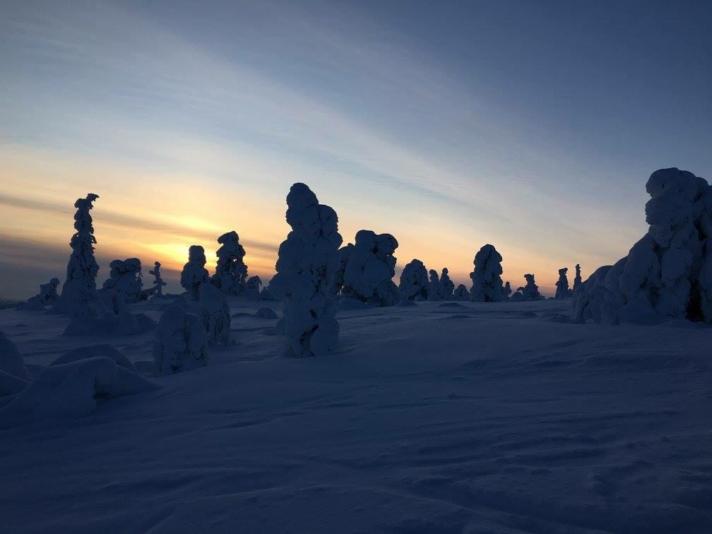 Schneelandschaft bei Äkäslompolo