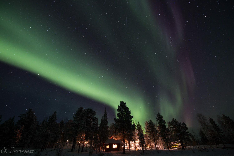 Nordlichter am Himmel über Inari