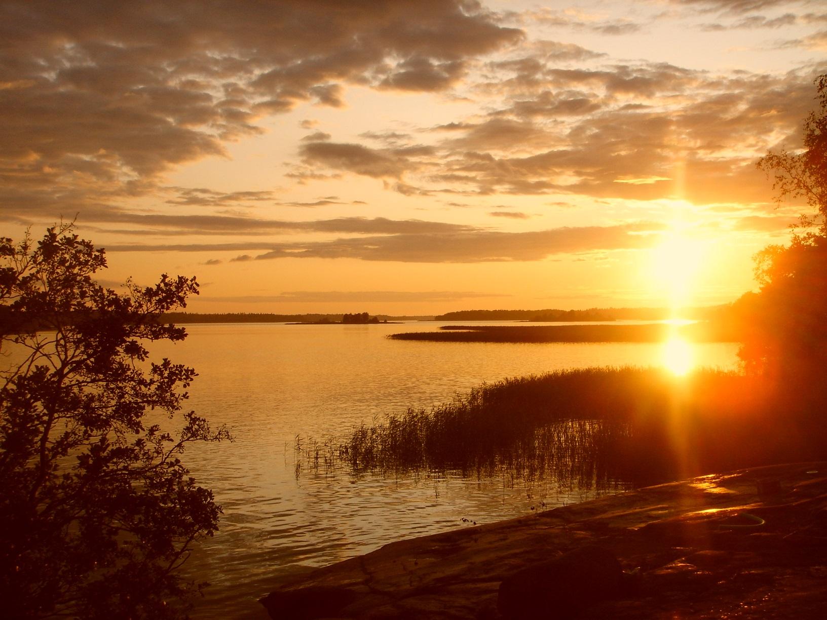 Sonnenuntergang über den Aland-Inseln