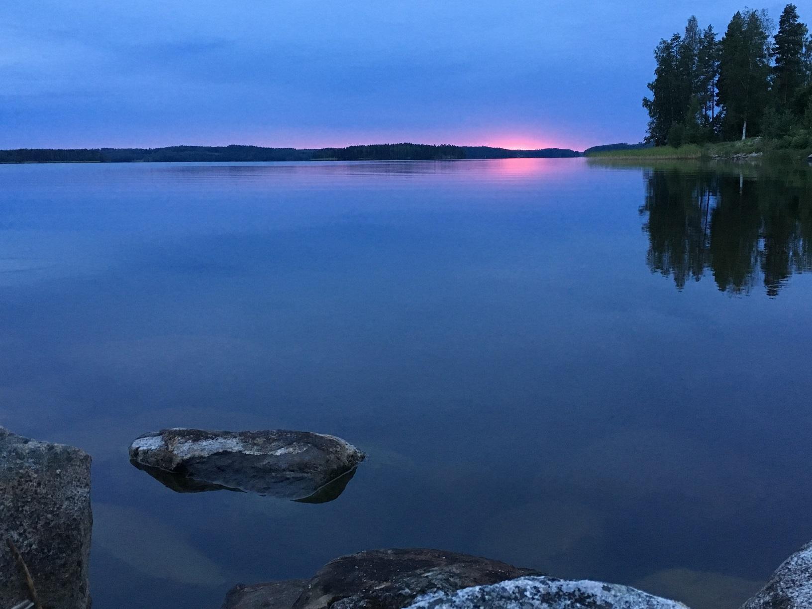Sonnenuntergang über dem See Puruvesi