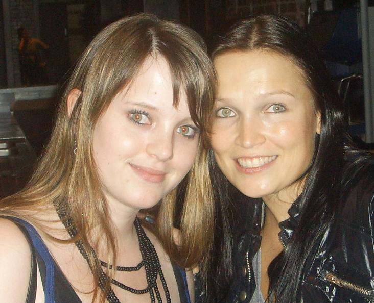 Tanja mit Tarja Turunen, damals Nightwish