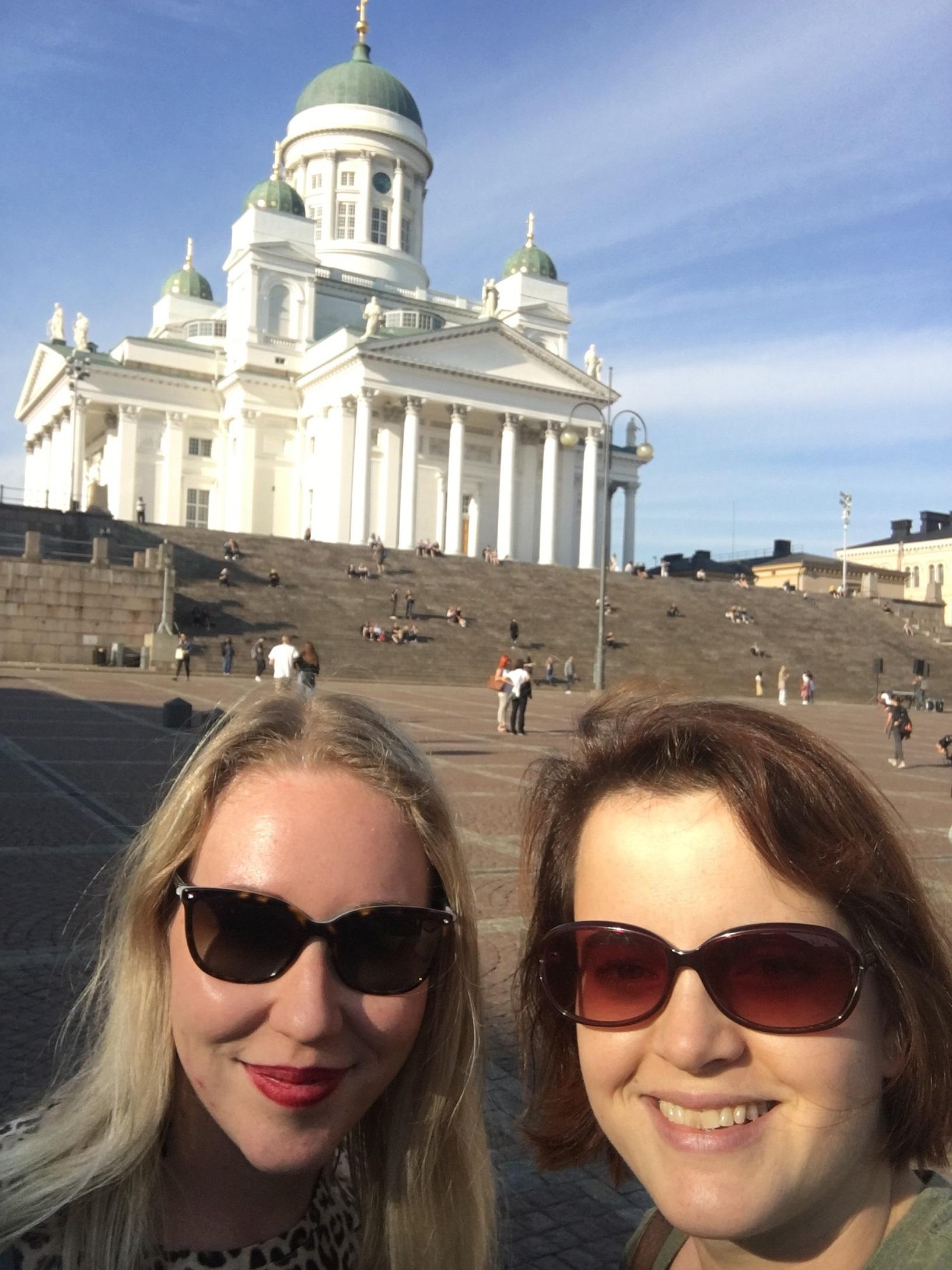 Am Dom von Helsinki