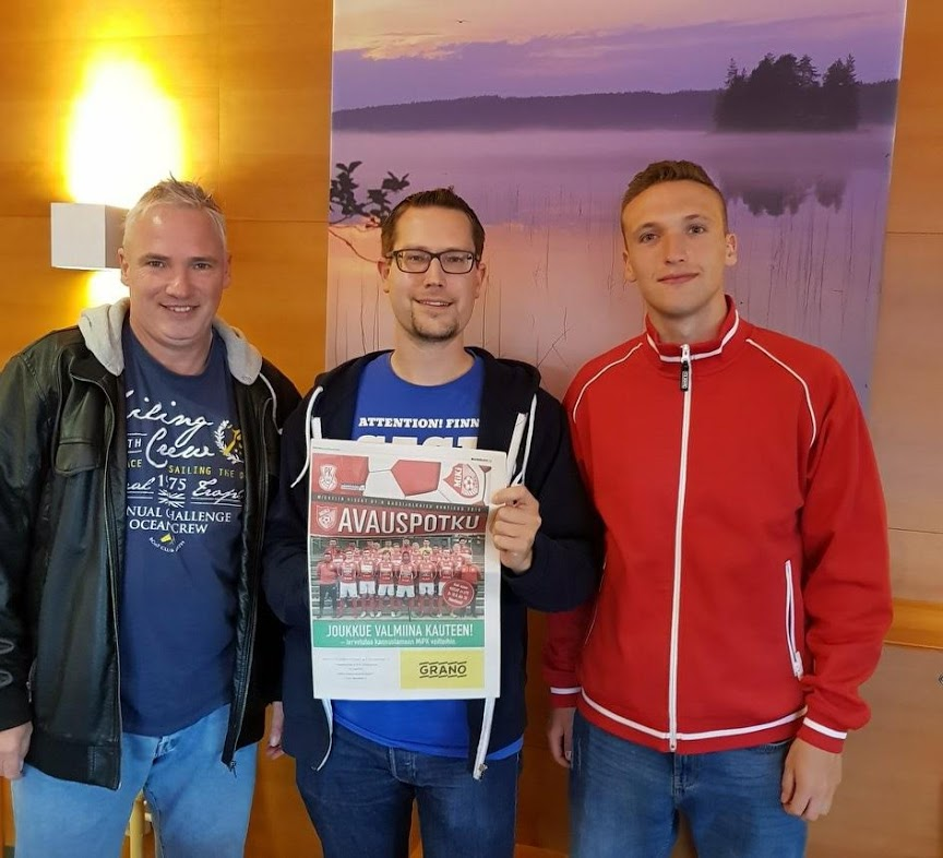 Torsten Damm und Calvin Damm mit René von FinnTouch (Mitte)