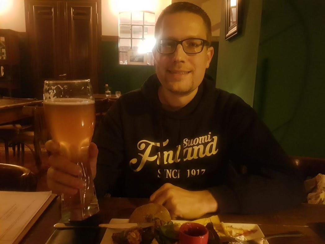 René (FinnTouch) mit finnischem Bier