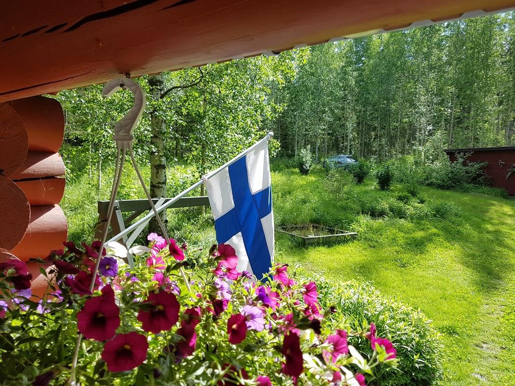 Finnische Fahne am Mökki