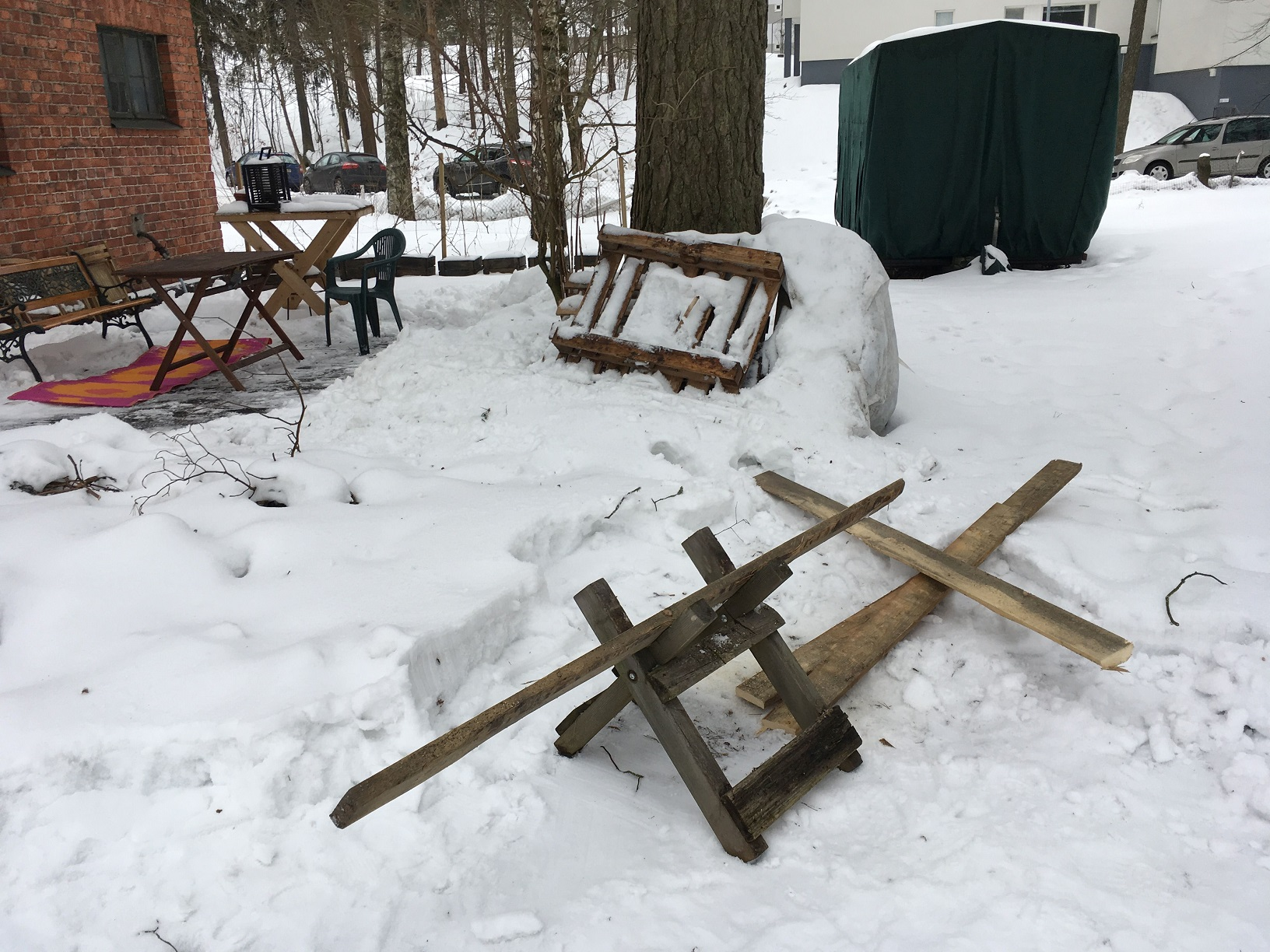 Sägebock an der Huopalahden Sauna, Helsinki