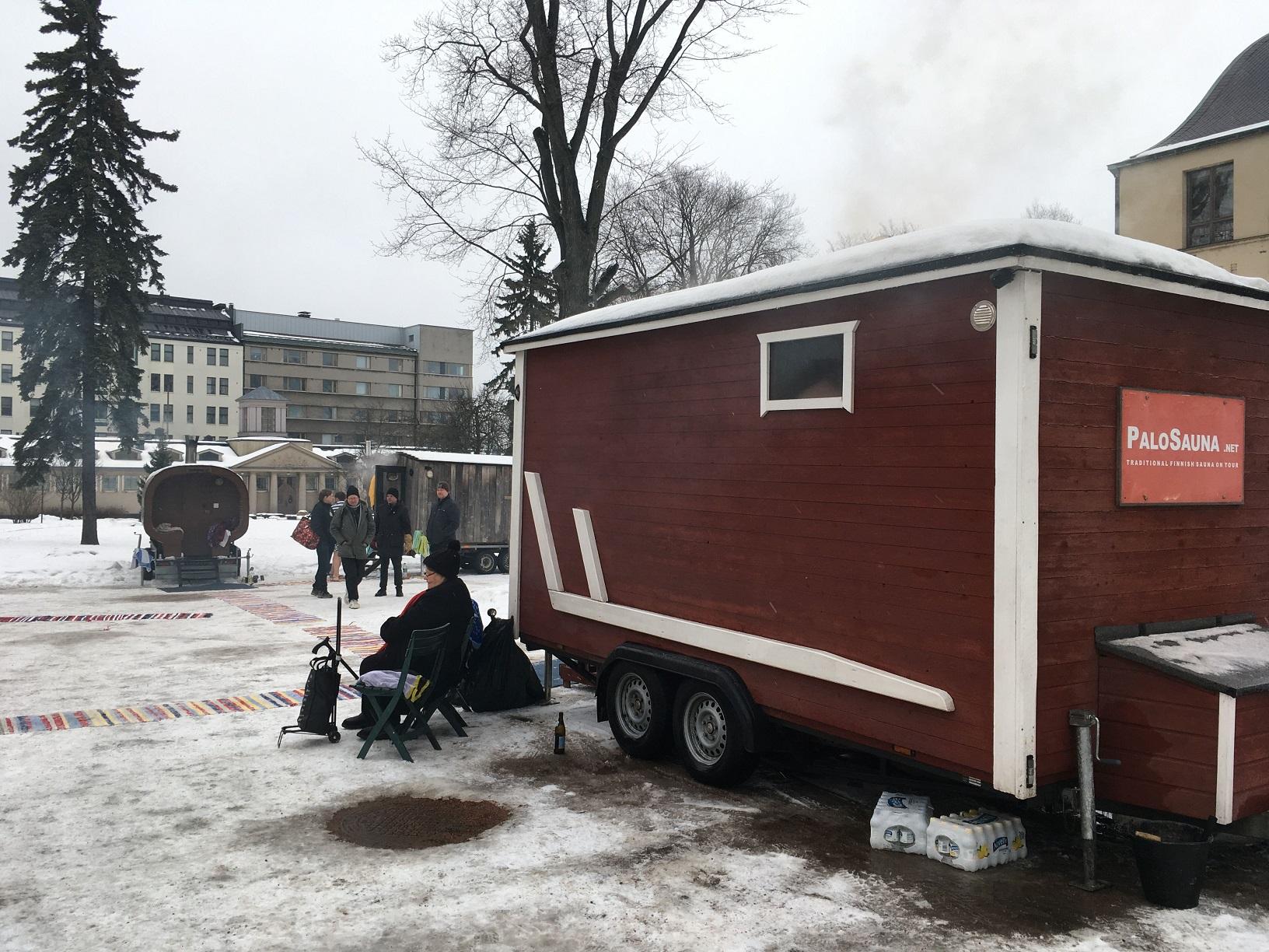 Sauna-Dorf im Museumsinnenhof, Helsinki Sauna Day