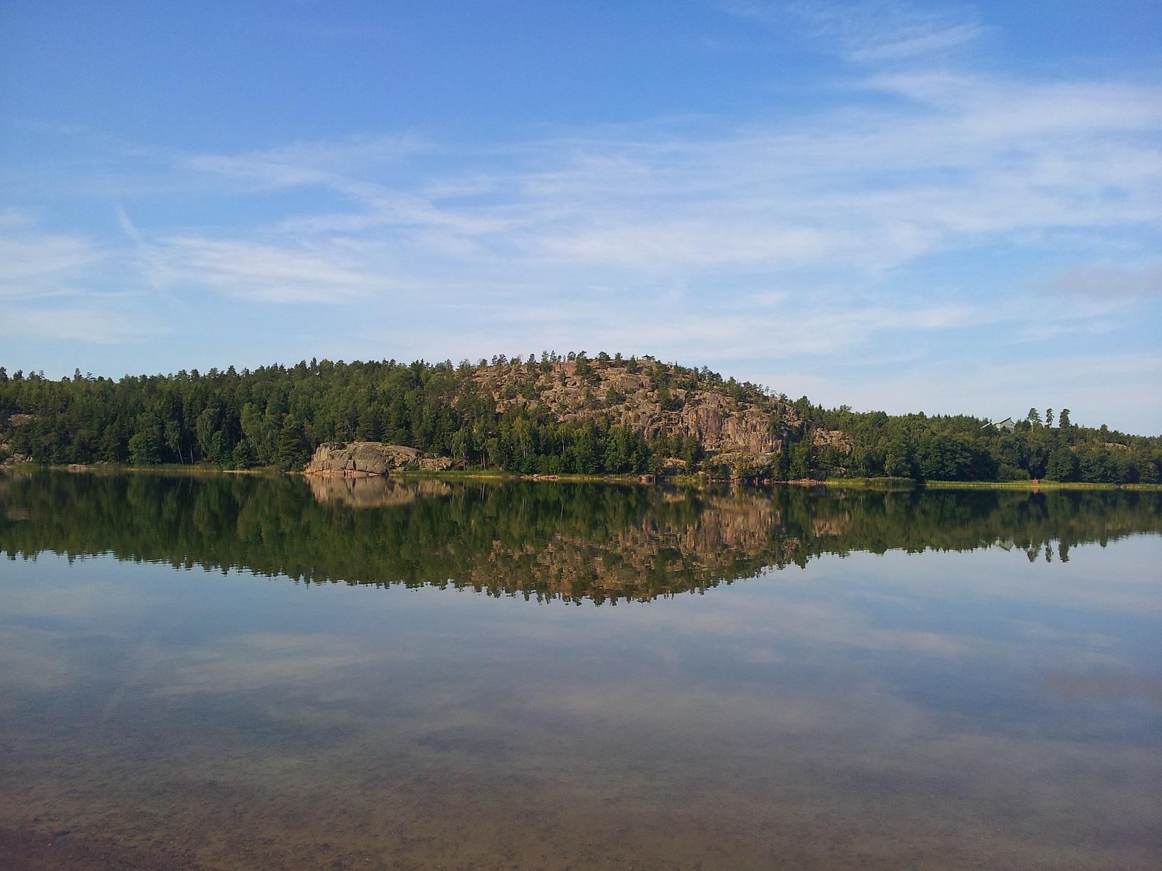 Idyllische Wasserspiegelungen auf Åland