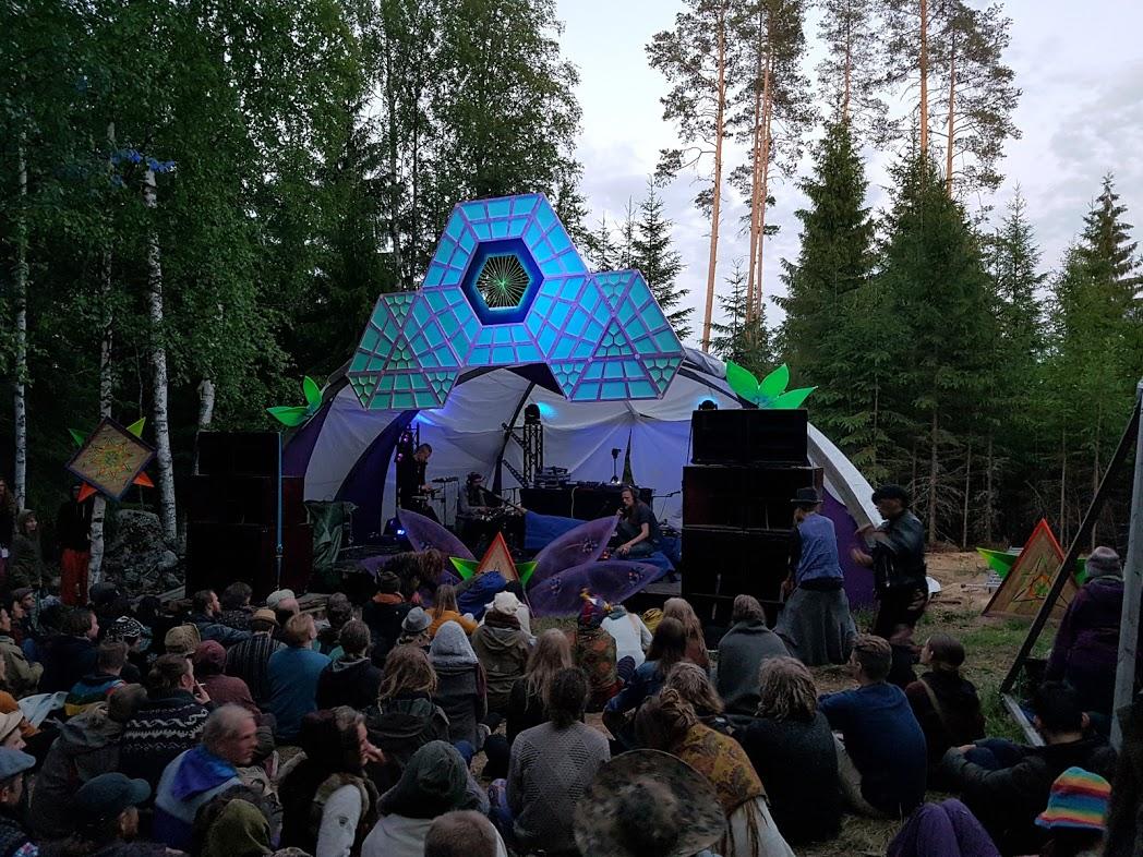 Juurisähkö live beim Kosmos Festival 2017