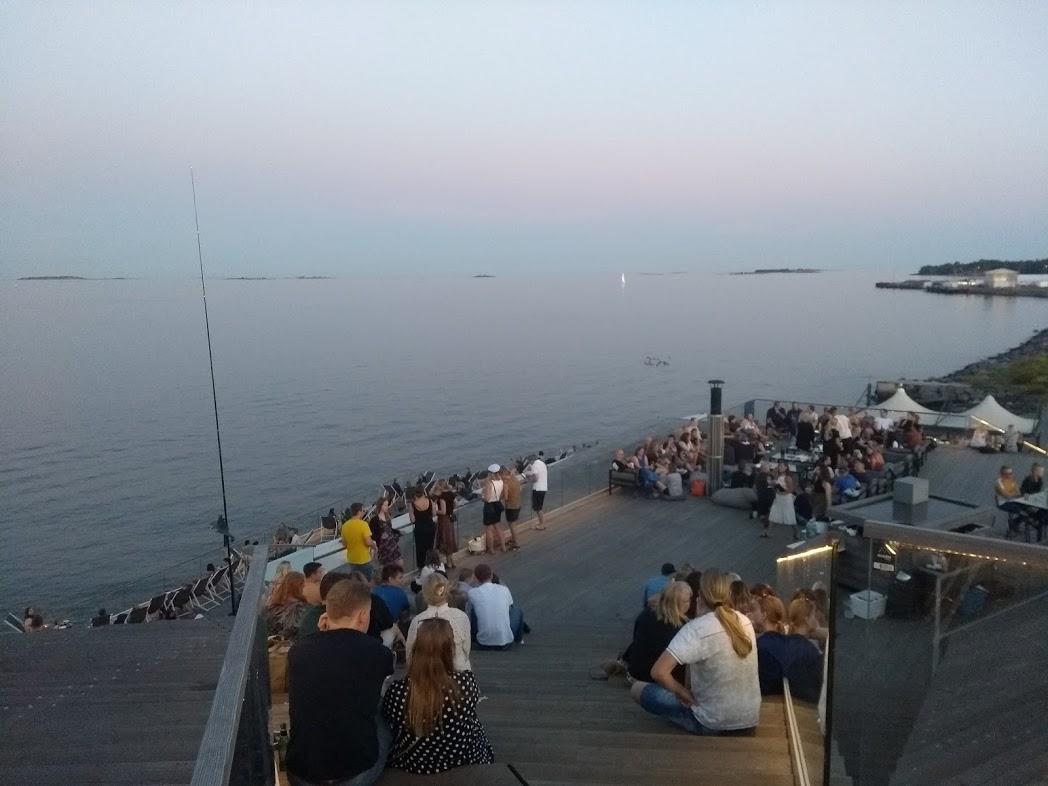 Löyly Helsinki an einem schönen Sommerabend