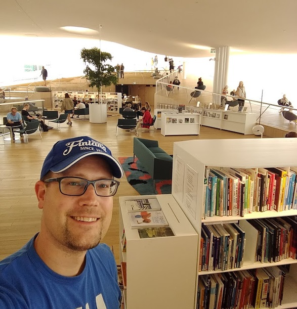 Zentralbibliothek Oodi von innen
