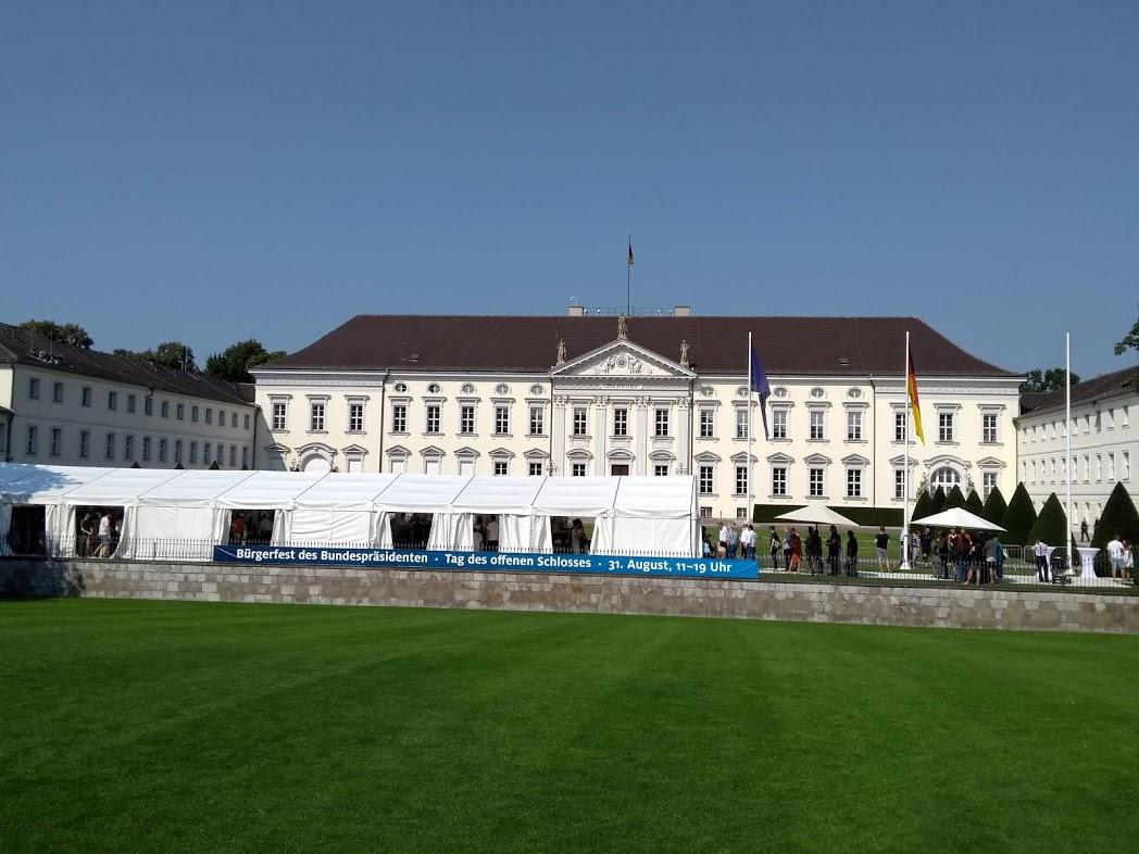 Bürgerfest im Schloss Bellevue