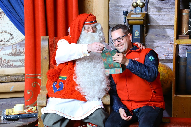 Der Weihnachtsmann und René von FinnTouch
