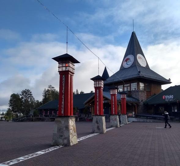Santa Claus Office in Rovaniemi im Herbst