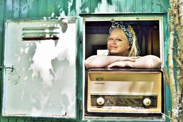 Laura Ryhänen, Sängerin der Tangoband Uusikuu