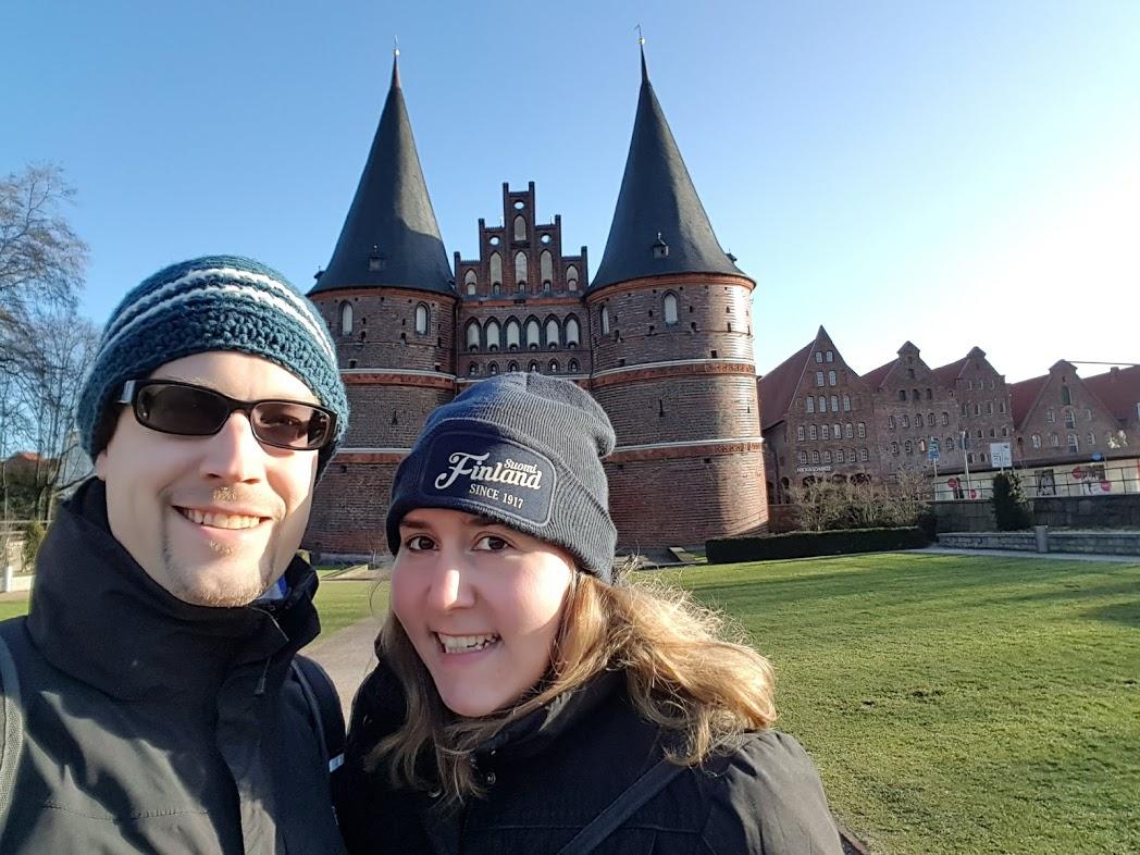 FinnTouch vor dem Holstentor in Lübeck