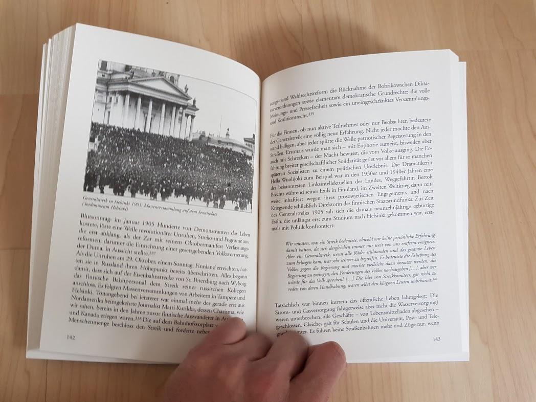 """Blick in das Buch von Bernd Wegner """"Ottos Spur"""""""