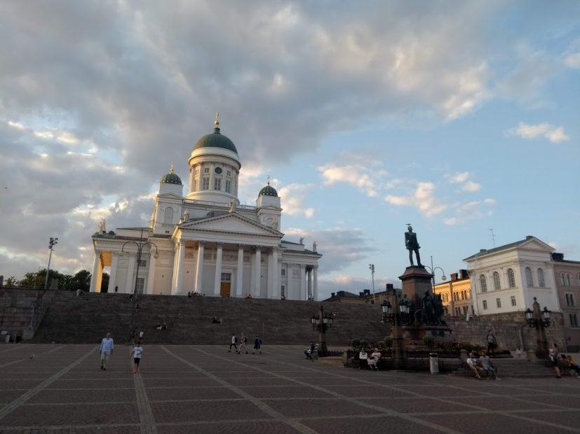 Helsinki Bilder - eines der beliebtesten Motive stellt der weiße Dom dar