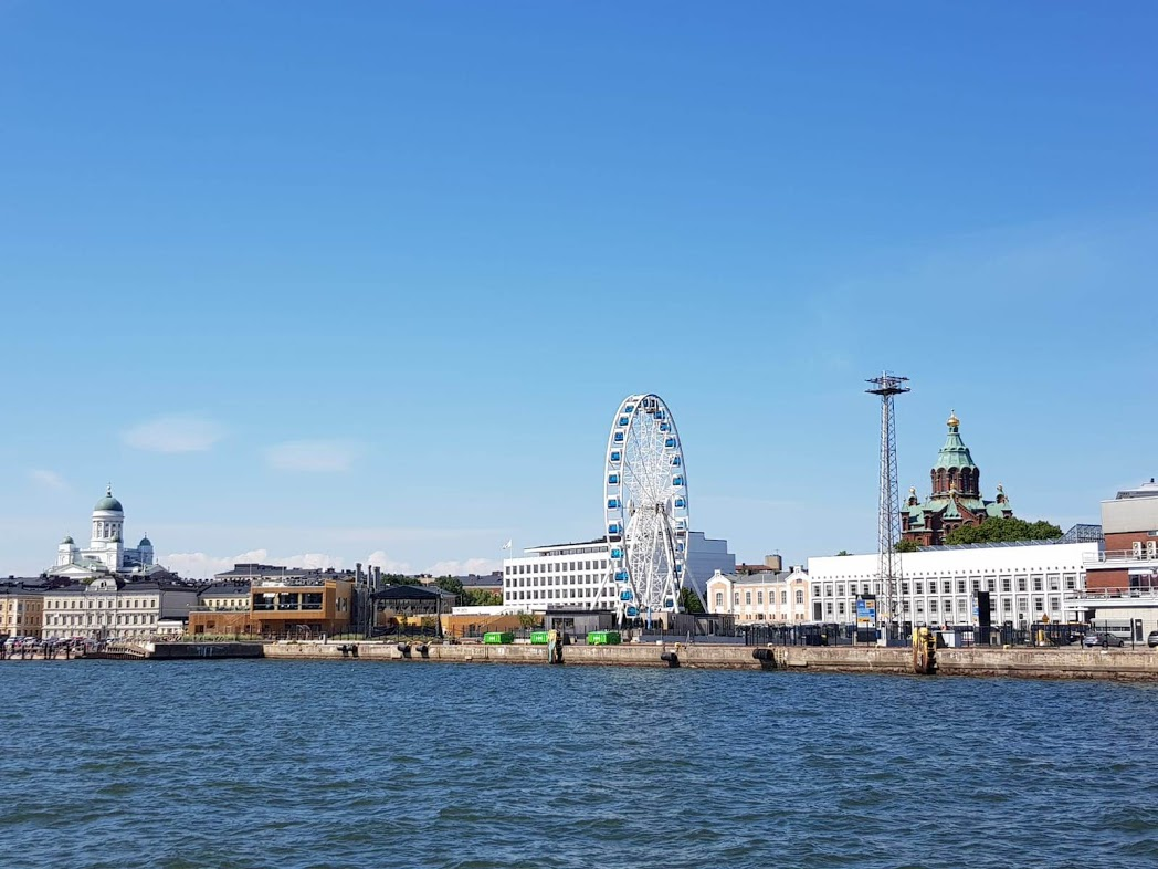 Hafen Helsinki mit Dom