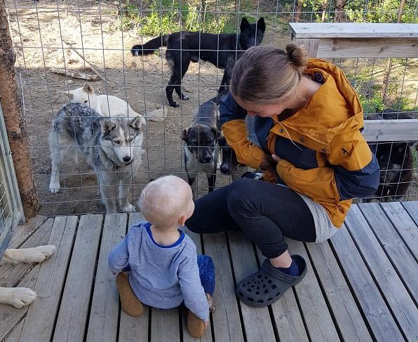 Jari, Josi und die Hunde von NaaliTours