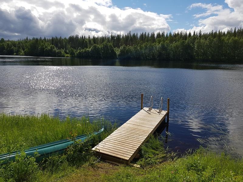 Steg am Fluss Kitinen