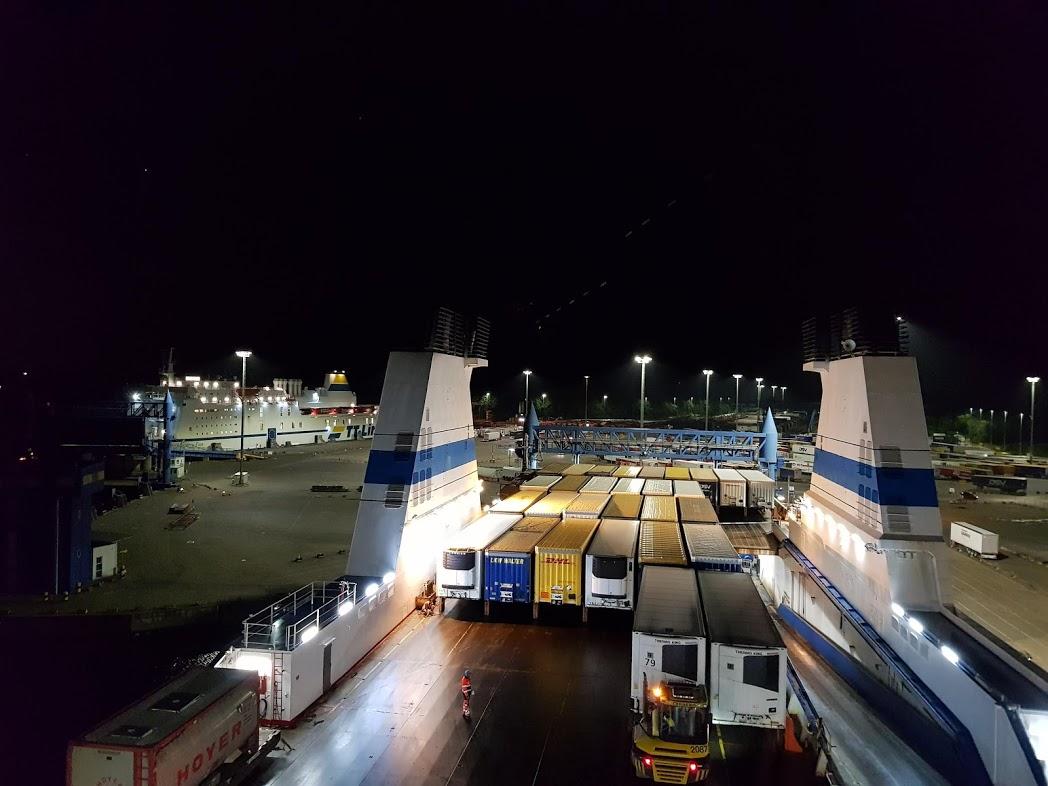 Finnlines Finnmaid im Hafen von Travemünde