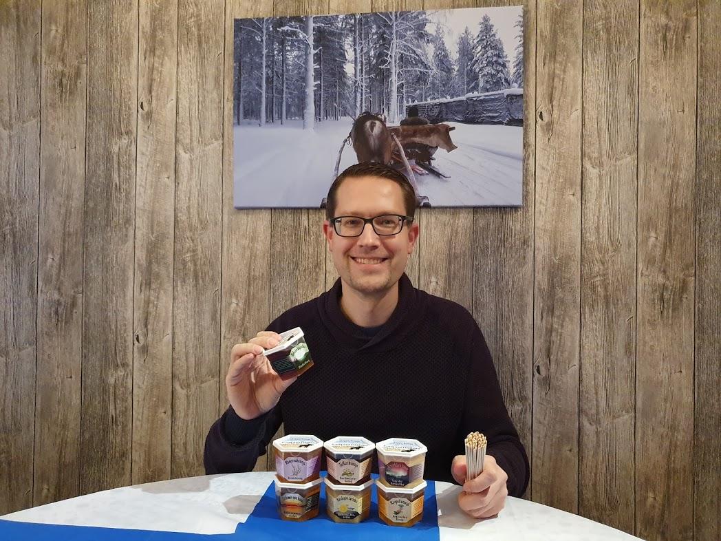 René und verschiedene finnische Honigsorten