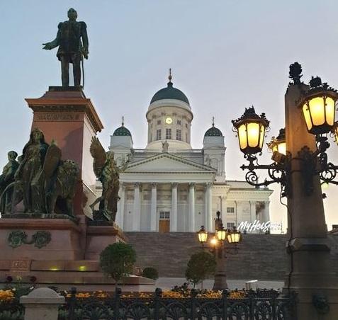 Dom von Helsinki in einer Sommernacht