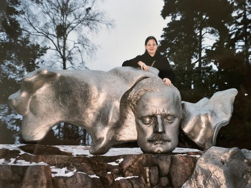 Tanja am Sibelius-Monument in Helsinki