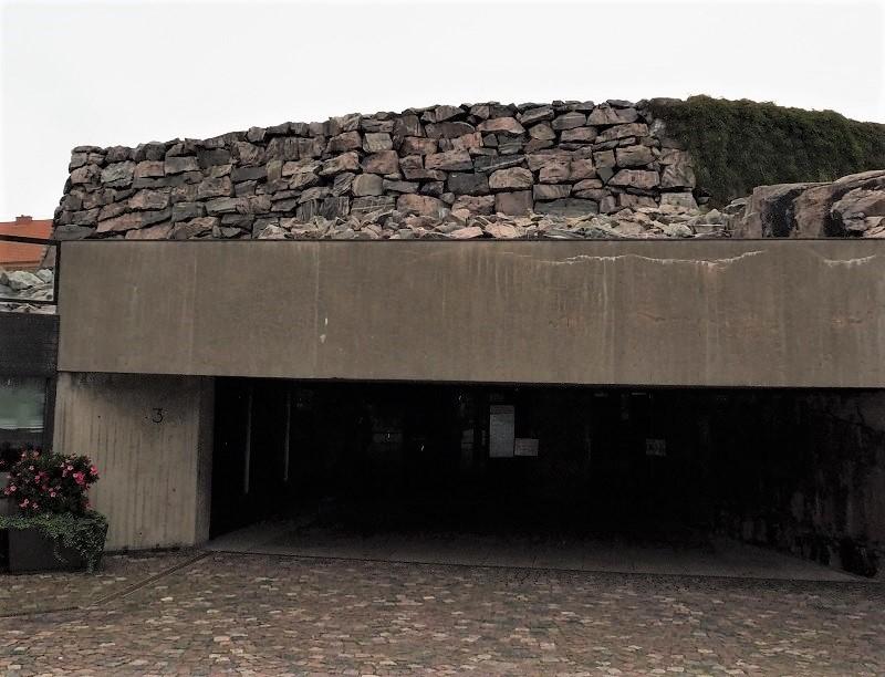 Eingang zur Felsenkirche Helsinki