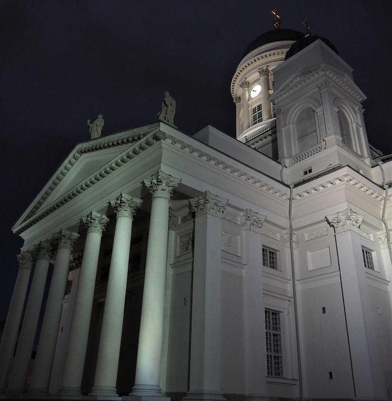 Helsinki Dom nachts