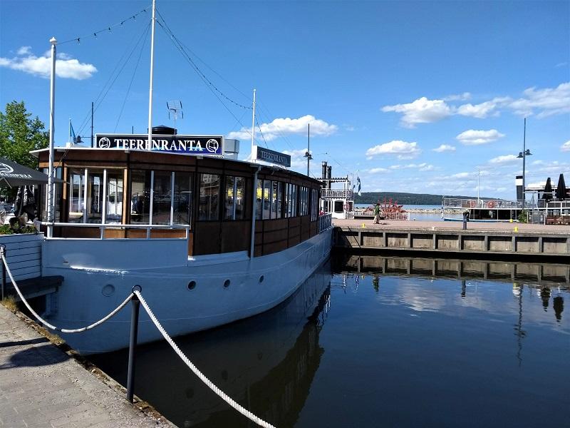 Restaurantschiff am Hafen von Lahti